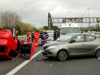 car-accident-2165210_1920-450x450